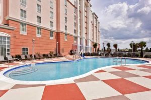 Hampton Inn Suites Orlando pool
